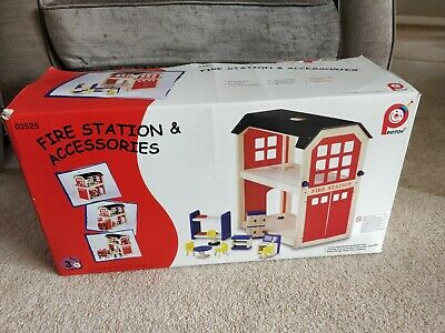 Pintoy Wooden Firestation, Fire Engine And Accessories  • 60£