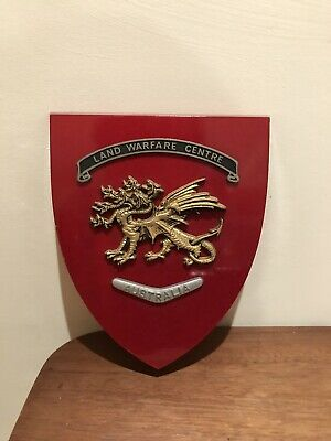 Vintage Regimental Mess Wall Plaque Shield - Land Warfare Centre, Australia • 10.20£