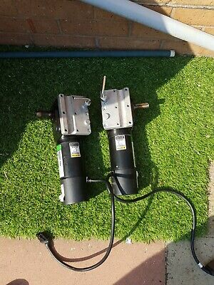 Invacare Wheelchair 24 Volt Electric Motors A Pair In Very Good Working Order • 68£