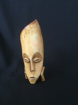 Vintage Small Carved Wooden Mask. Approximately 13.5cm High. • 21.99£