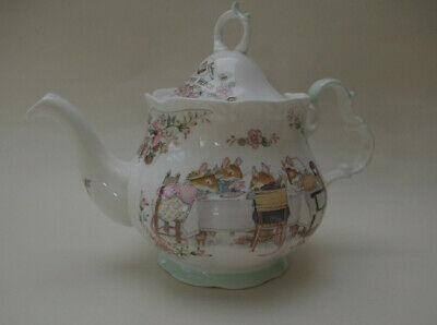 Royal Doulton Brambly Hedge Full Size Teapot - Numbered • 104£