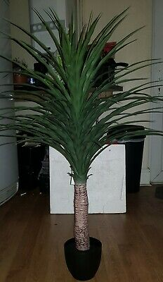 4ft Artificial  Yucca Plant • 34.99£