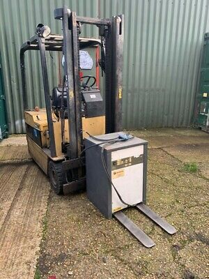 Caterpiller 1.5 Ton Electric Forklift • 2,250£