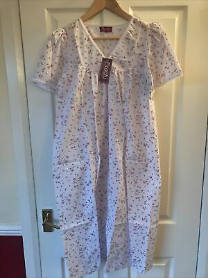 BNWT Peochi Open Back Womens Incontinence Hospital Gown/Nightie White/Pink 12/14 • 11.49£