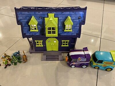 Scooby Doo Hainted House, Vehicles And Figures Set • 5.20£
