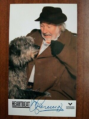 BILL MAYNARD *Claude Greengrass* HEARTBEAT PRE-SIGNED CAST CARD FREE POST • 6.99£