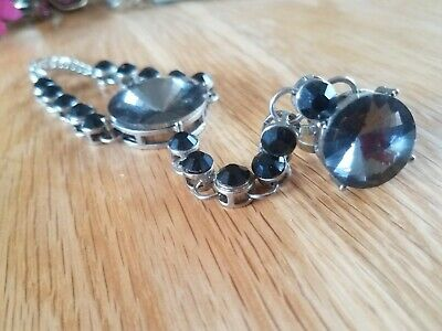 £7 • Buy Indian Hand Jewellery Beaded Chain Bracelet With Atttached Ring Black & Silver