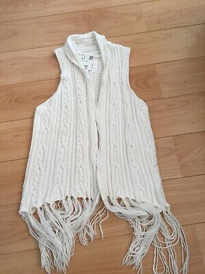 H&M Knitted Tassled Gilet. Size Small. BNWT. • 12£