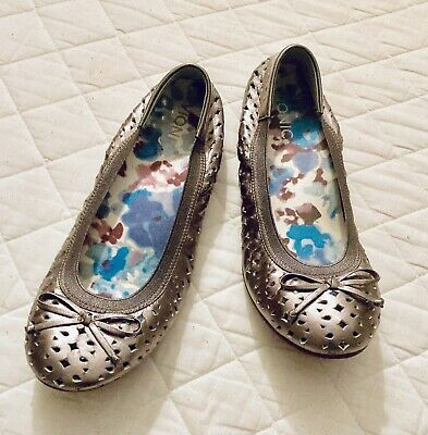 """VIONIC WOMENS """"SURIN """" LEATHER SHOES SIZE 6 Pewter Is The Colour • 5£"""
