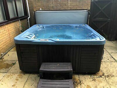 Hot Tub / Spa - 6 Persons - Used - Cheap - Bargain - Jets - Blower • 720£