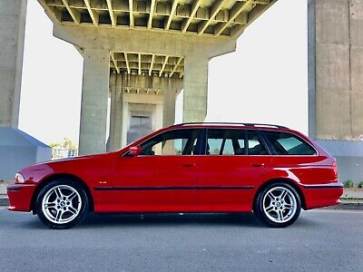 AU19500 • Buy RARE Touring. 2000 BMW E39 6 Cylinder 528i. Immaculate And Red! Books, Sunroof