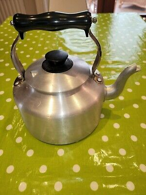 Genuine Agaluxe Kettle For Aga Stove Top. Nearly New. 4 Pints / 2.5 Litres • 30£