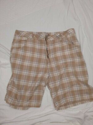 Mens Airwalk Cream  Cheque Shorts XXL/ 38 To 40  Inch Waist  • 8£