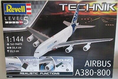 Revell 00453 - Airbus A380-800                           1:144 Scale Plastic Kit • 110£