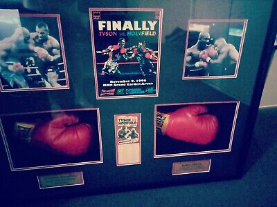 AU550 • Buy Tyson V Holyfield Signed Boxing Gloves..COA