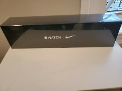 $ CDN492.41 • Buy Apple Watch Series 5 Nike 40mm Space Gray Aluminum Case With Anthracite/Black...