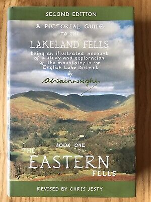 Alfred Wainwright: A Pictorial Guide To The Lakeland Fells • 1.70£