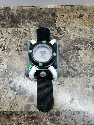 Ben 10 Deluxe Omnitrix Watch Lights Sounds Wrist Toy Talking Playmates  2017 • 21.70£