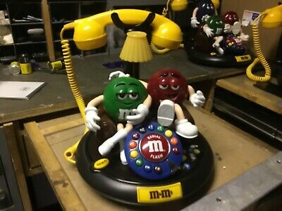 $75 • Buy M&M's ANIMATED Talking Light-Up TELEPHONE Phone Red ,Green ,Yellow Lamp