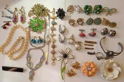 $ CDN44.18 • Buy Vintage Wearable Jewelry Lot - Some Signed - Rhinestone - Brooches - Earrings