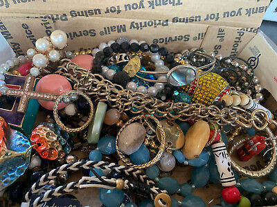$ CDN17.66 • Buy Vintage To Now Jewelry Lot Unsearched Untested Estate Finds E7