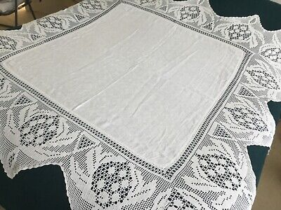 Vintage White Crochet Lace Edged Tablecloth • 10£