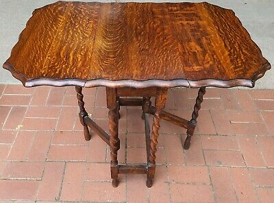 AU525 • Buy Antique English Oak  Barley Twist Drop Side Table With Lovely Scalloped Edging