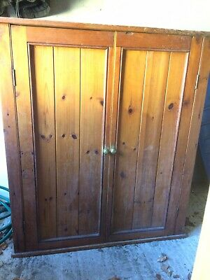 Old Wooden Cupboard - Perfect For Upcycling • 10£