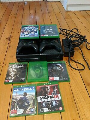 AU300 • Buy Xbox One Day One Edition And 7 Games Bundle With Kinect 500GB Extra Controller