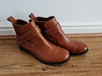 £32.99 • Buy Clarks Tan Brown Leather Ladies Ankle Boots UK Size 4 Ex Displayed No Box New