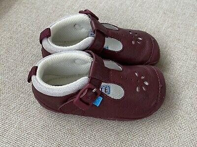 £5 • Buy Startrite Girls First Shoes Infant Size 3.5 F Clarks 4 Red Leather
