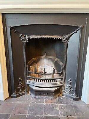 £25 • Buy Victorian Style Cast Iron Fireplace Insert  + Chimney Door & Ash Cover