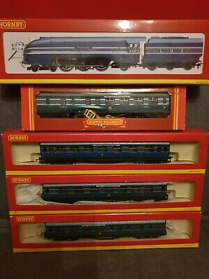 £199 • Buy R2271 Hornby LMS 6223 Princess Alice With Four Coronation Scot Coachs