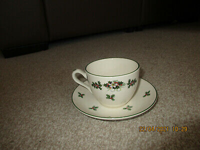 £5 • Buy Heron Cross Pottery Holly Design Cup And Saucer