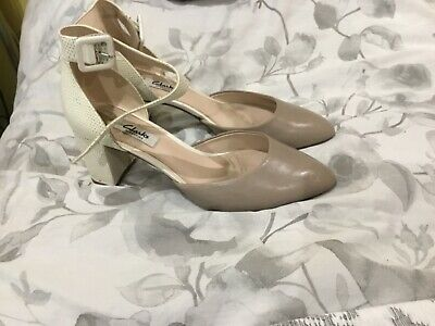 £6 • Buy Clarks Shoes 6d Ivory And Taupe Worn Once For Wedding Good Condition
