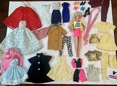 $ CDN20.14 • Buy Vintage Barbie Doll Lot Clothes Accessories Coat Gowns Outfits Snap Closure