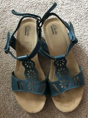 £15 • Buy Ladies Leather Clarke's Sandals Size 7 Wide Fit Very Good Condition.