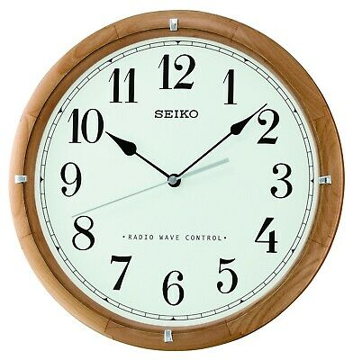 £65 • Buy Seiko Radio Controlled Round Wooden Battery Wall Clock - Clear Numbers QXR303Z