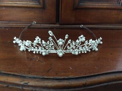 £9 • Buy Tiara Silver Colour With Faux Pearls And Faux Diamonds With Box