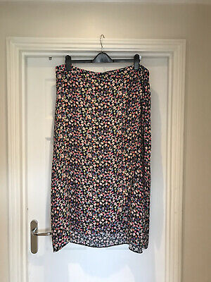 £4 • Buy Ladies Summer Wrap Skirt Size 18 From NEW LOOK Ideal For Casual Wear/Holiday ☀️