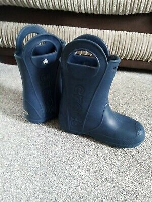 £5 • Buy Crocs Navy Blue Wellies Child Size 1 Pull On Handle It Boots.