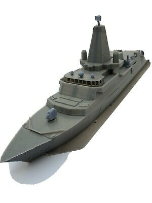 £35 • Buy 1/350 Model Ship Kits Type 26 Frigate With Merlin Crowsnest Helicopter.