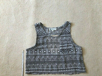 £4 • Buy Hearts And Bows Crop Top With Cut Out On Back -Black & White Pattern - Size 10