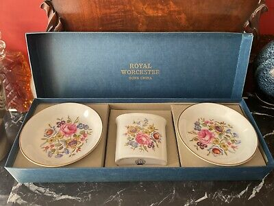 £4.50 • Buy Royal Worcester Gift Box Of Trinket Dishes & Pot