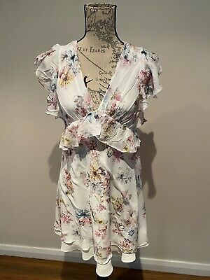 AU15 • Buy FOREVER NEW White Floral Dress