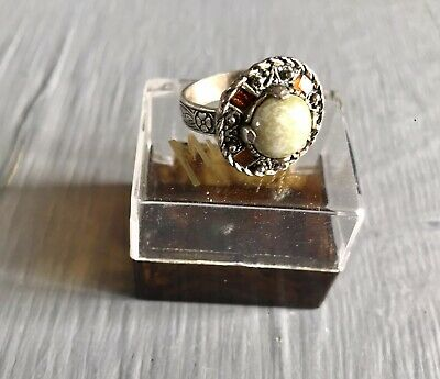 £4.50 • Buy Vintage Silver Tone Miracle Ring With Glass Banded Agate And Amber Glass Boxed