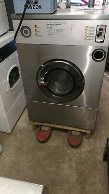 £400 • Buy Ipso 25lb  Coin Operated Commercial Washing Machine