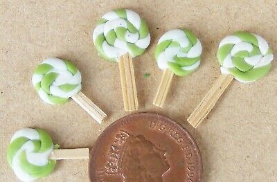 1:12 Scale 5 Flat Lime Lollipops Tumdee Dolls House Miniature Sweet Shop Pl • 1.20£
