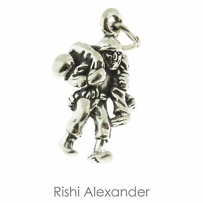 925 Sterling Silver Soldier Carrying Wounded Soldier Charm Made In USA • 10.92£