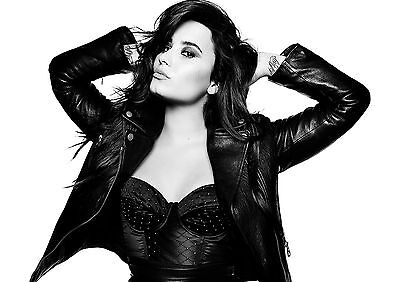 Demi Lovato Poster Cool Hot Music Star Quality Large, FREE P+P, CHOOSE YOUR SIZE • 12.90£